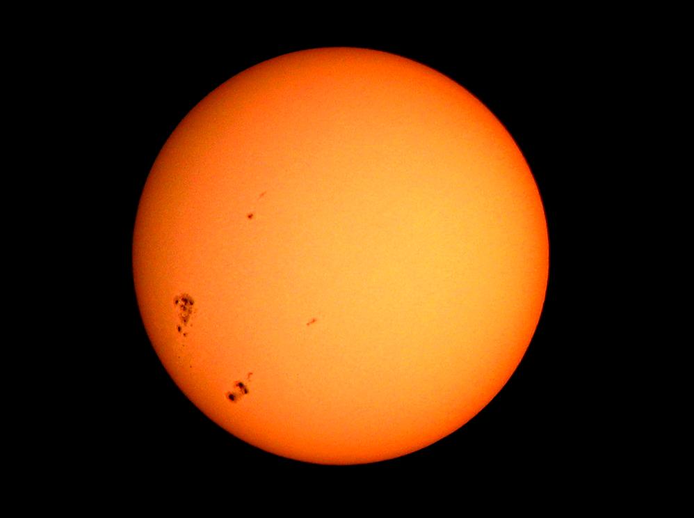 Orion StarMax 90mm TableTop Maksutov-Cassegrain Telescope Sun