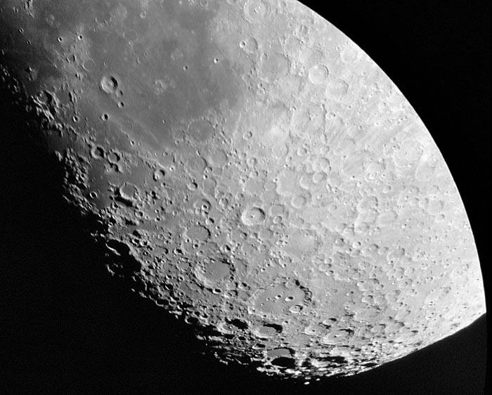 SkyWatcher 6 Traditional Dobsonian Telescope Moon 2